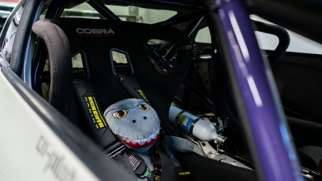 gtr - interior seats.jpg