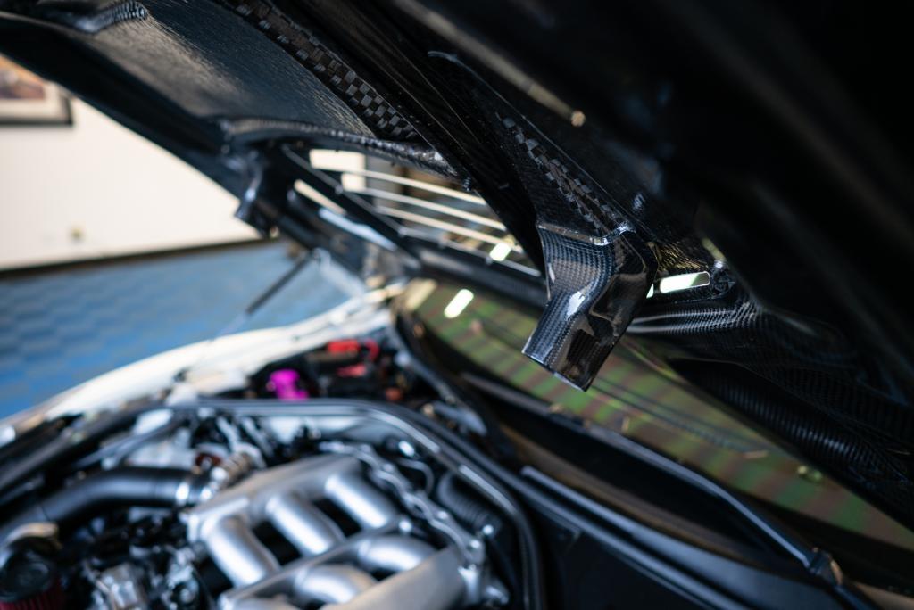 gtr - engine bay hood duct.jpg